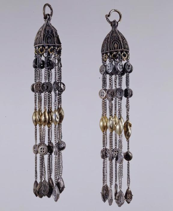 Pair of pendants — riasny